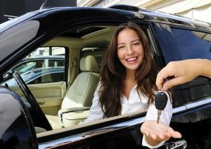 Lady Buying Car in Dubai