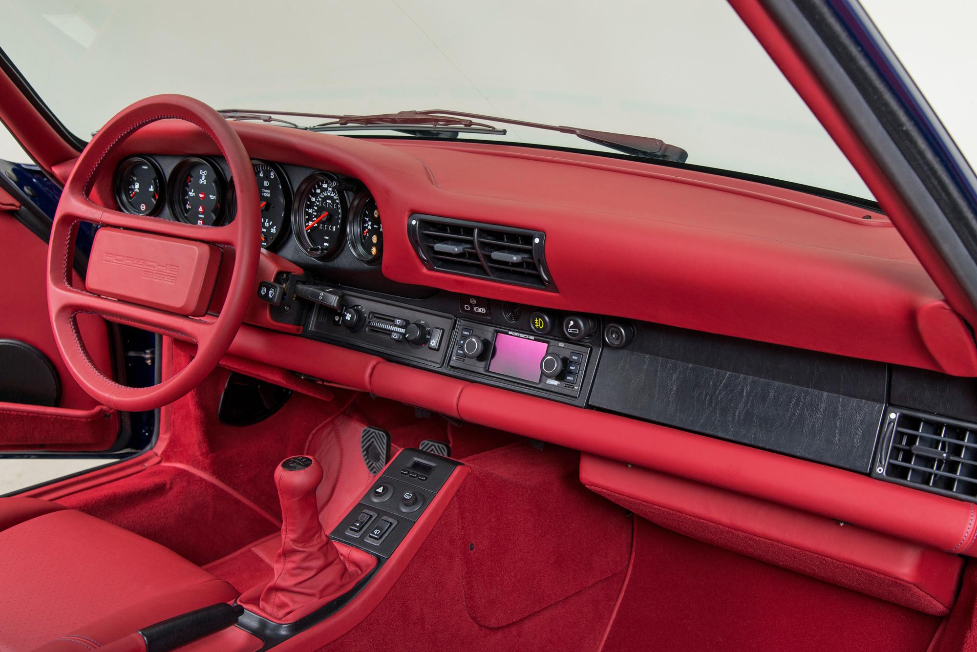 Porsche 959 Interior
