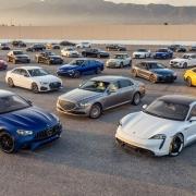 السيارات ذات الكفائة العالية في الامارات