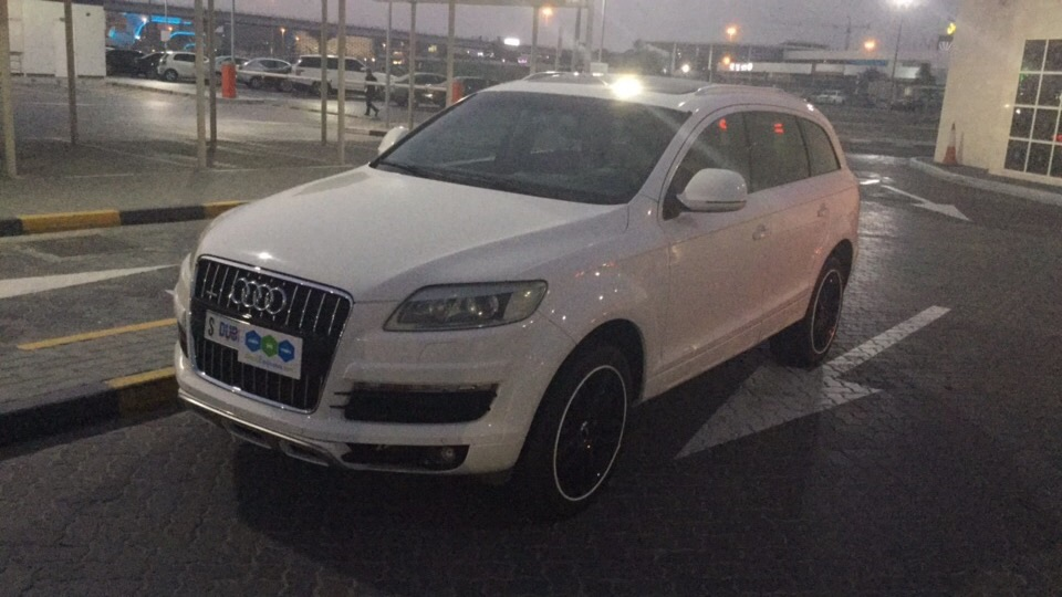 Used Audi Q7 4.2L V8 2007 For Sale In Dubai