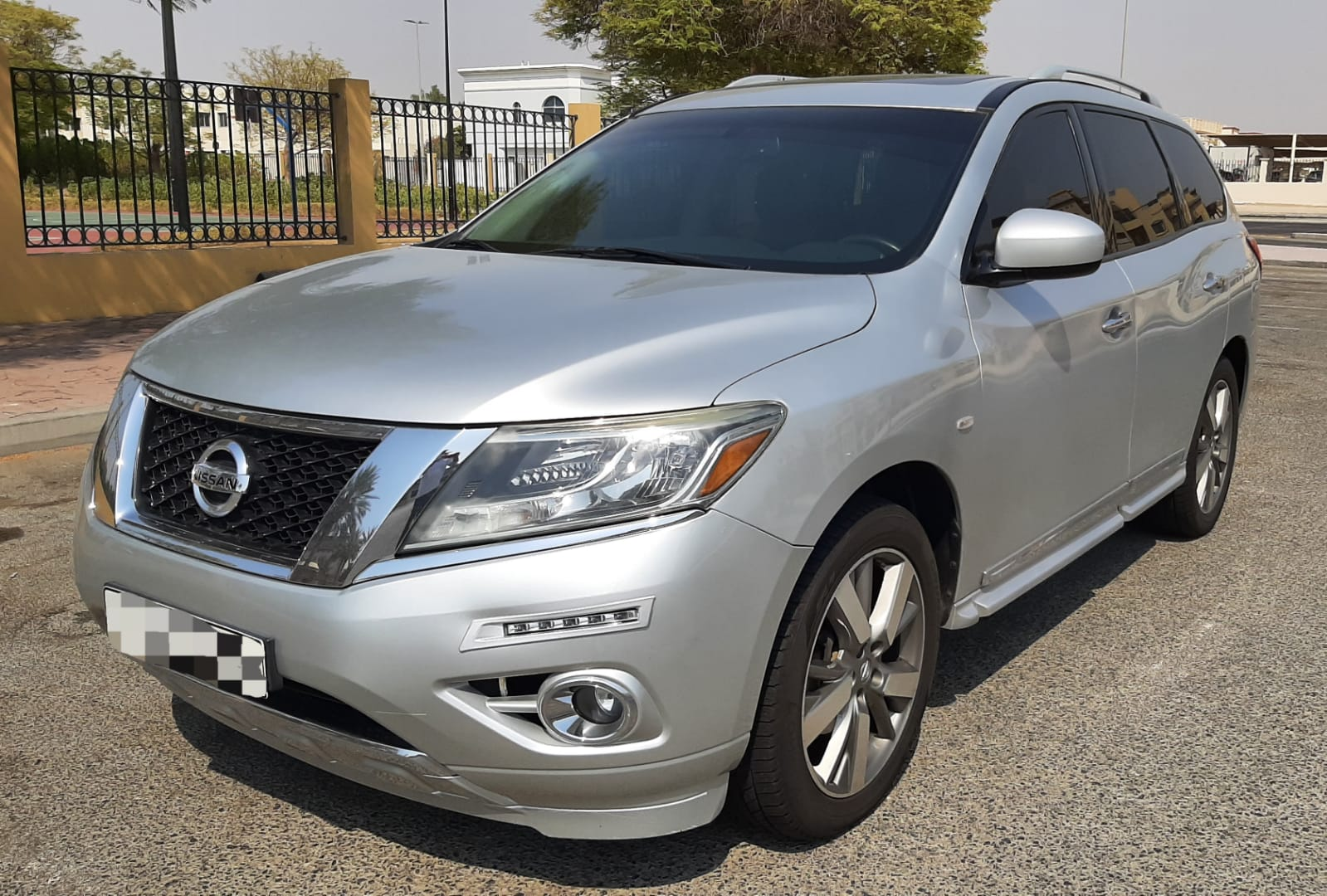 Used Nissan Pathfinder SV AWD 2014 For Sale In Dubai