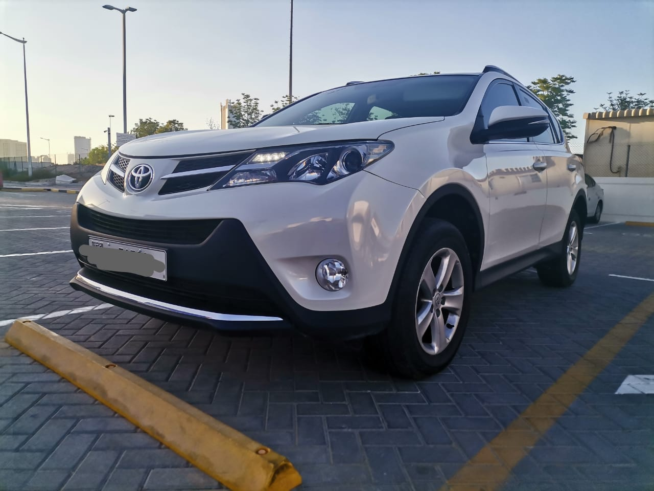Used Toyota RAV-4 4WD 2013 For Sale In Dubai