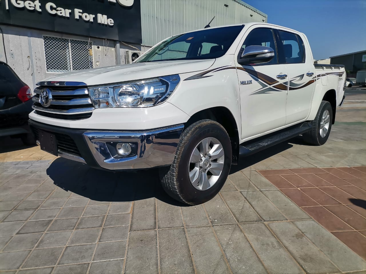 Used Toyota Hilux (2.7L Double Cab) 2017 For Sale In Dubai
